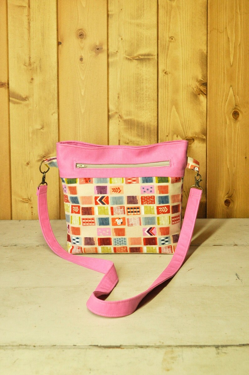 Convertible Cross-Body Bag in Colorful Shapes and Pink Linen image 0