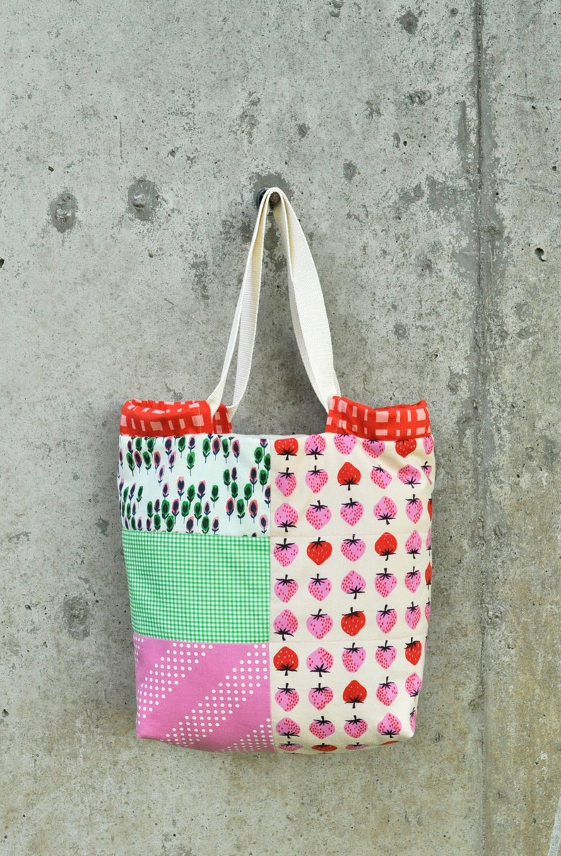 Small Quilted Tote Bag with Adjustable Opening  Strawberry image 0