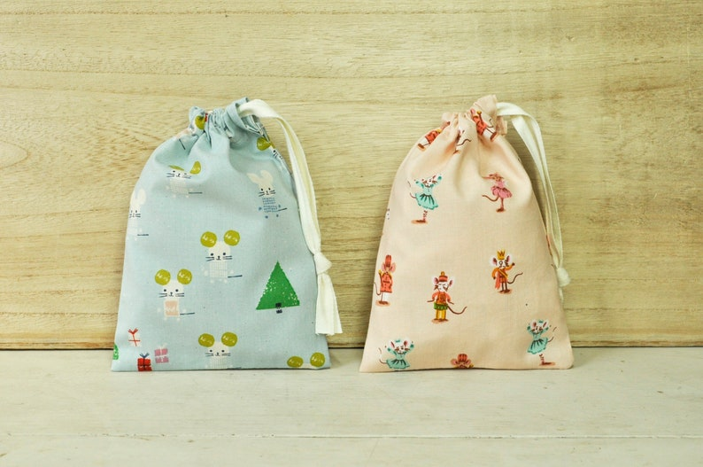Drawstring Pouch  Reusable Gift Bag  Holiday Mouse Prints  image 0