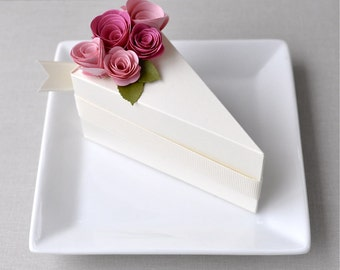 Garden Party Series - PAPER Cream cake slice favor box with blossom and fuchsia flowers (1 slice)