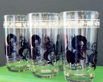 Set of 5 Vintage Animal Juice Glasses / 1950s Childrens Glassware Set / Retro Juice Glass Set