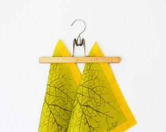 Set of 2 Vintage Tree Napkins by Ken Scott / Vintage Linen Napkins / Mid Century Decor / Vintage Leaf Design by Ken Scott