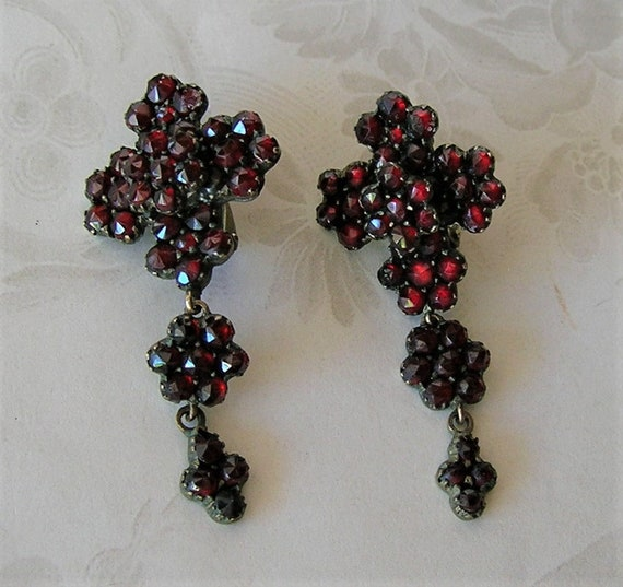 Antique Bohemian Garnet Victorian Earrings, Chand… - image 2