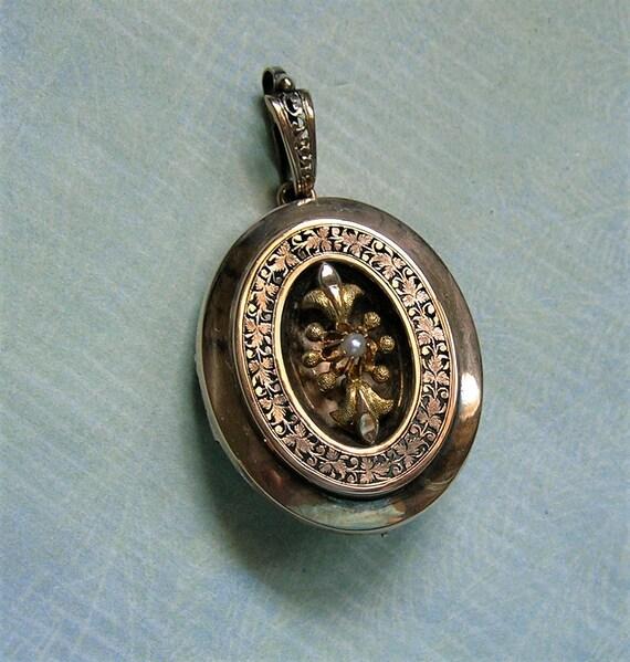 Antique 10K Gold Victorian Locket, Antique Victori