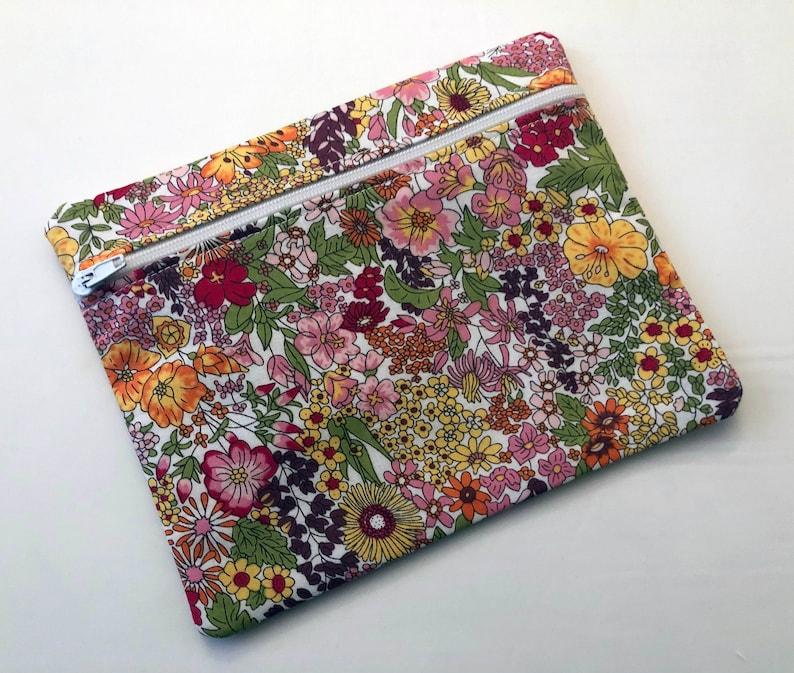 Pink Retro Flower Pocket Bag Tidy Zipped Purse