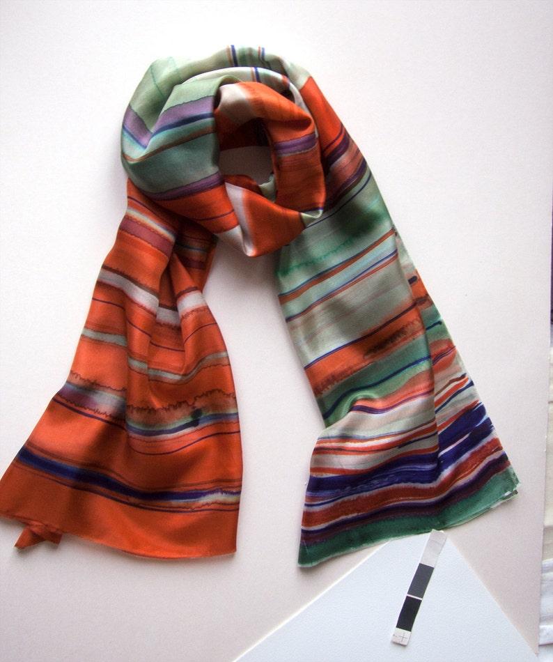 9985d2fbba7f Foulard en soie rayée rouille   peint à la main écharpe