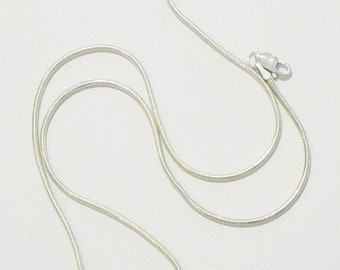 Seamed sterling silver snake chain necklace