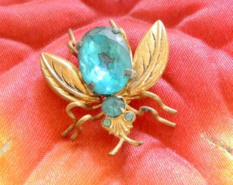 Bug Brooch, Fly Pin, Fly Scatter Pin