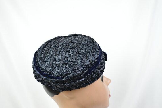 1950s Vintage Navy Crocheted Raffia Day Hat / Vin… - image 4