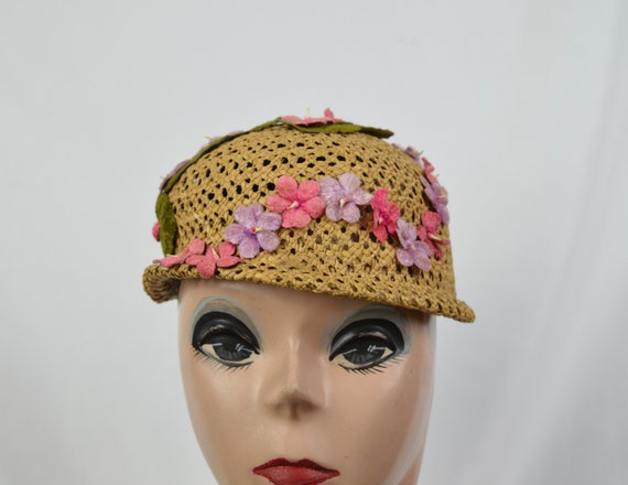 Vintage 1960's Crocheted Straw Cloche Hat With Ve… - image 1