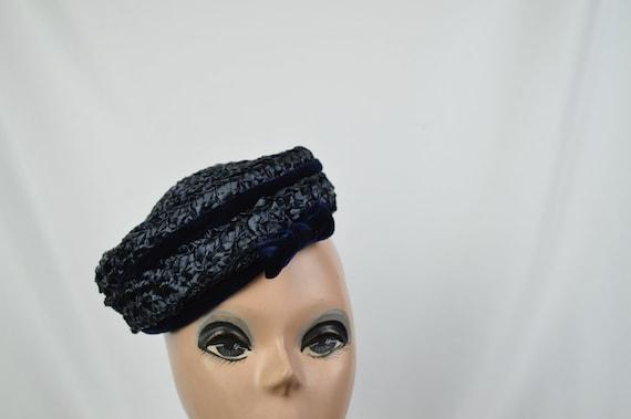 1950s Vintage Navy Crocheted Raffia Day Hat / Vin… - image 7