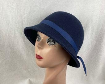 Navy Blue Wool Felt Cloche Hat Flapper Style / Wool Felt 1920's Style Cloche Hat / Downton Abbey Hat / Classic Winter Felt Cloche Hat