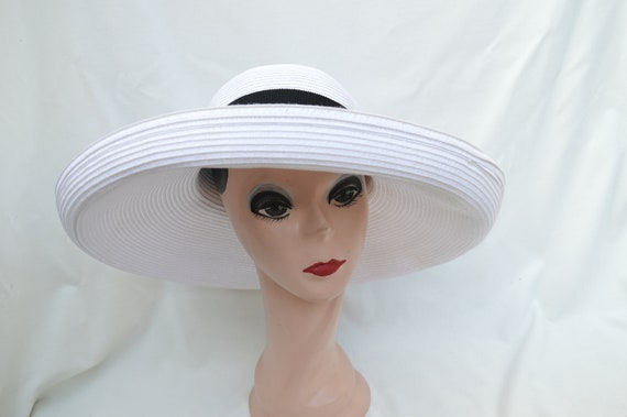 Large Head Size Large Kettle Brim White Straw Sun Hat   Womens  0cb9c905ffd