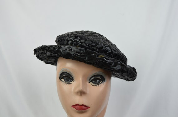 1950s Vintage Black Crocheted Raffia Day Hat / Vin