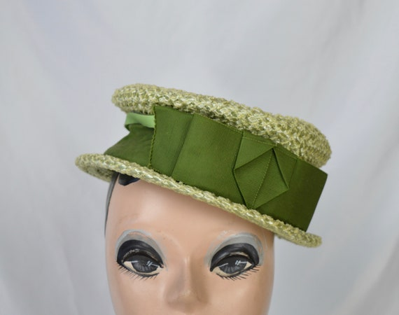Vintage 1950s Light Green Crocheted Raffia Straw S