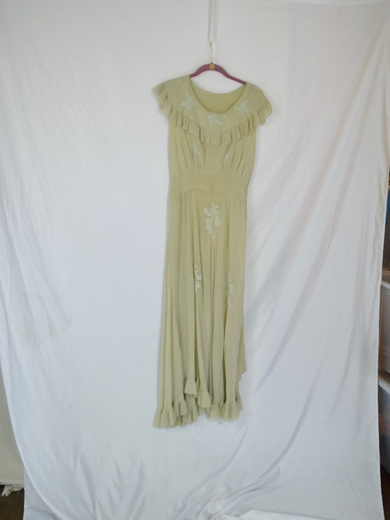Vintage 1920's Beige Silk Gown With Silk Embroider