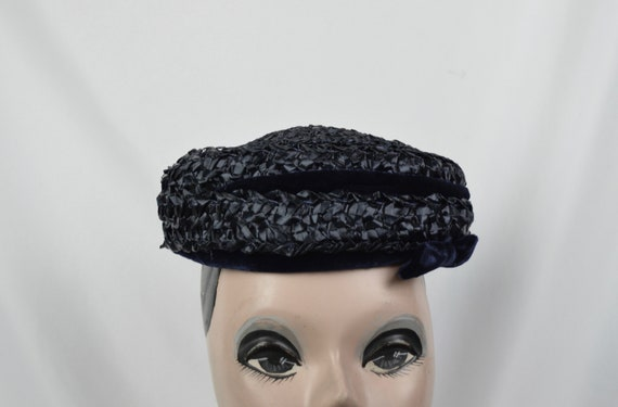 1950s Vintage Navy Crocheted Raffia Day Hat / Vint