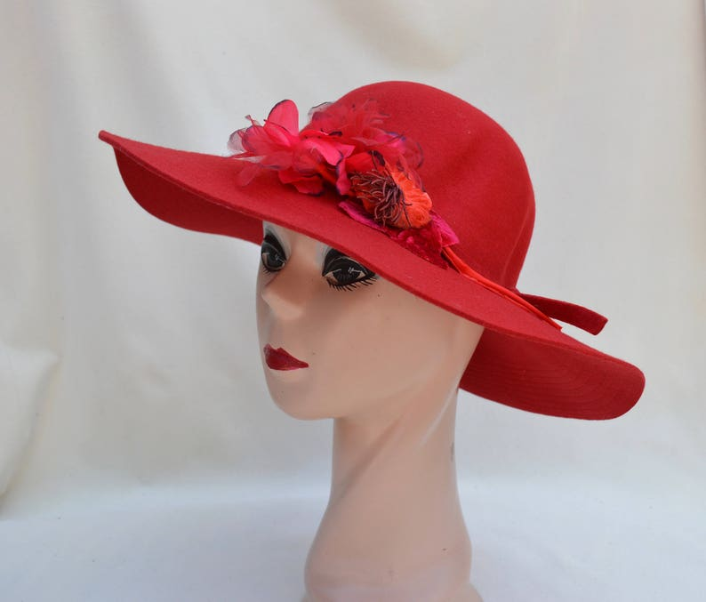c6f647cae995 Red Wool Felt Large Brim Hat With Flower Trim / Womens Boho Floppy Wide  Brim Winter Hat / Boho Wide Brim Red Felt Hat / Red Large Brim Hat