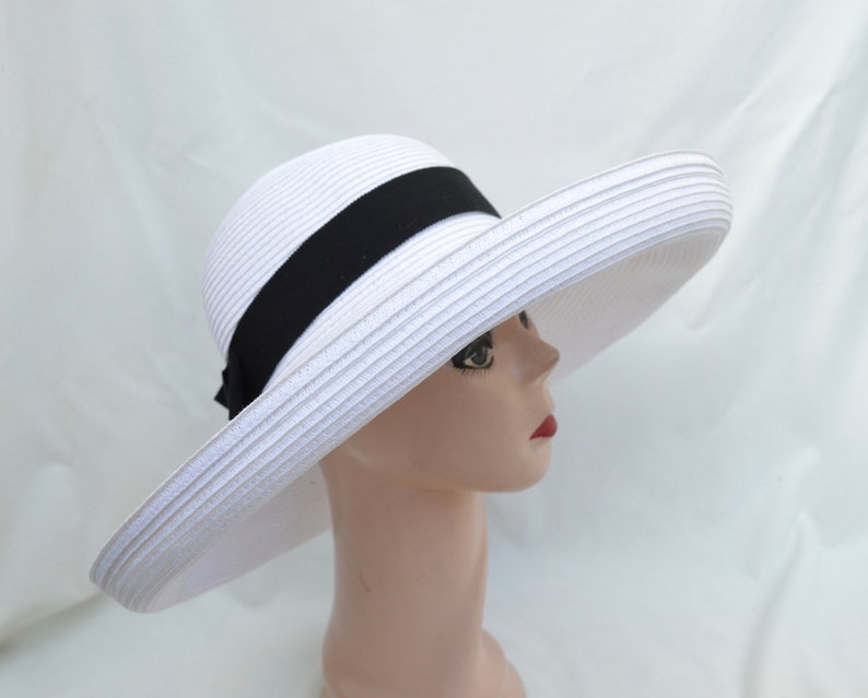 8c454a5b0aecb Large Head Size Large Kettle Brim White Straw Sun Hat   Womens