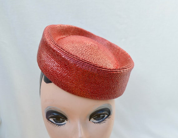 Red Pillbox Vintage Hat / 1960's Vintage Pillbox H