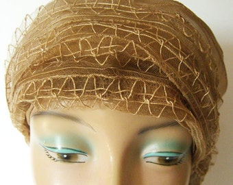 Vintage 1920s Horsehair Flapper Womans Cloche Hat w/ Celluloid Pin
