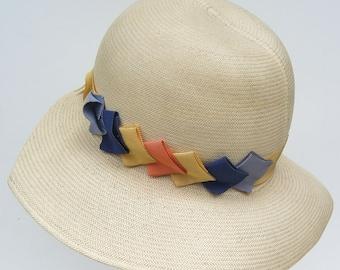 """21"""" - Vintage 1920s White Wide Brim Panama Flapper Womans Cloche Hat"""