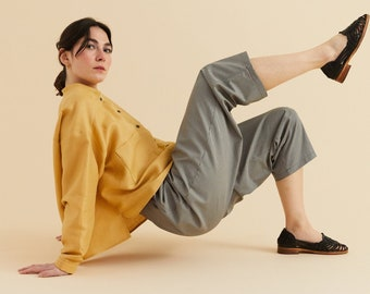 xs/s - s/m Royal Chinese yellow linen mandarin collar Blouse, oversize blouse, Long sleeves with cuff, Comfort blouse, big pockets