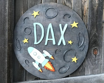 "18"" 20"" or 22"" Round Moon and Rocket Wooden name Plaque 