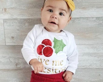 Give me besitos longsleeve one-piece.  Mistletoe one-piece. Give me kisses. Long Sleeve  Christmas one-piece. Christmas baby. Fast Shipping!