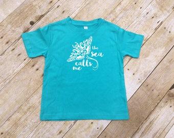 The Sea Calls Me shirt. Infant, toddler & youth sizes. Moana shirt. Ocean, Ocean life. Moana. Manta Ray. Vacation shirt.