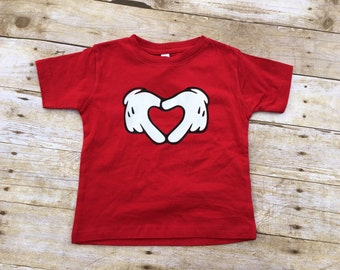 Heart Hands Shirt. Infant, toddler and youth sizes. Mouse gloves. Mouse hands. White glove hands.  Family vacation shirts.  Fast shipping!