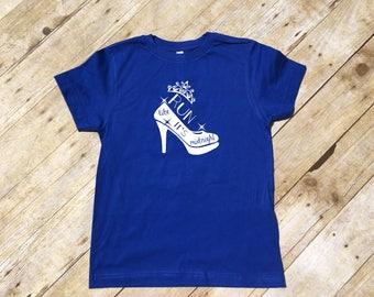 Run Like It's Midnight shirt. Unisex and Ladies sizes.. Cinderella shirt. Vacation shirt. Cinderella top. Marathon Runner. Marathon shirt.