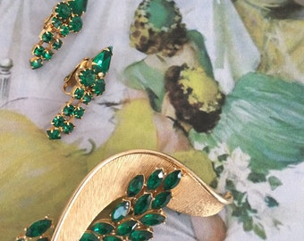 1980s Vintage Gold & Emerald Costume Jewelry Pin and Clip Earrings