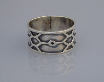 Sterling Silver Honeycomb Ring (Size 9.5)