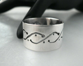 Sterling Silver Wavy Cutwork Ring (Size 8)