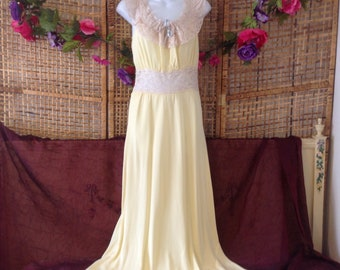 Vintage Antique 40 s Yellow Rayon Nightgown Gown Lace Ruffle Neckline befefdd29