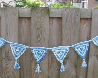 Crochet Garland, blue
