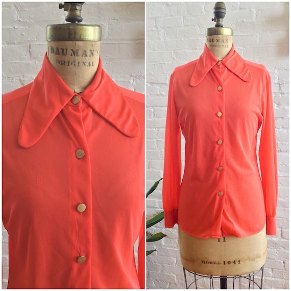Vintage 1960s blouse / 60s dagger collar dayglo or