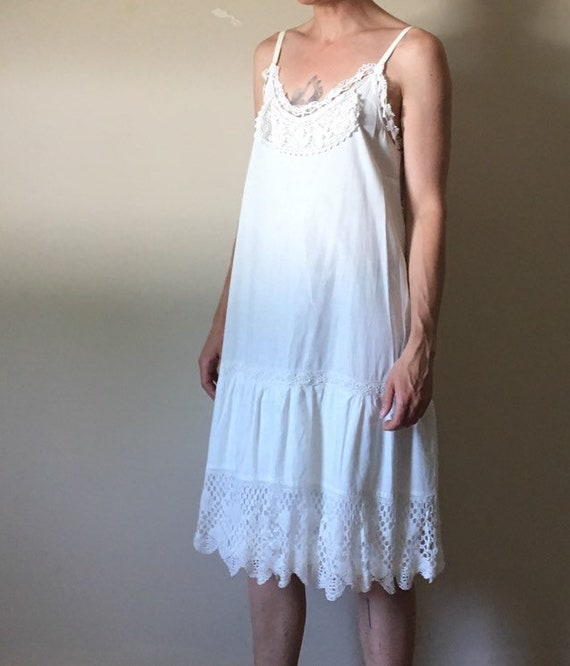 White Cotton and Vintage Lace Dress - image 3