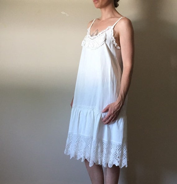 White Cotton and Vintage Lace Dress - image 4