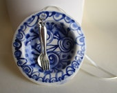 Plate with fork and spoon - Luxury Ornament - Delft Blue  - Hand painted  Blue and white Delftware  porcelain Christmas Decoration