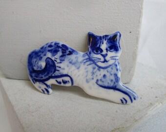 Cat  -  Handpainted Delft porcelain Brooch