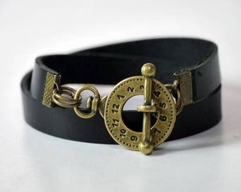 Leather Bracelet Wrap Leather Bracelet Leather Cuff Women Leather Bracelet Bracelet Leather Bracelet in Black Color Toggle Clasp Brass Tone