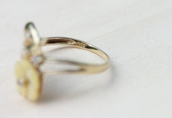 Flower Lucite Ring, Gold Flower Ring, Lucite Ring… - image 4