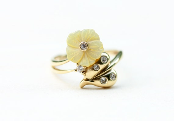 Flower Lucite Ring, Gold Flower Ring, Lucite Ring,