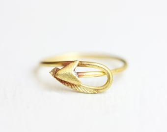 Arrow Ring Gold, Shooting Arrow Ring, Brass Arrow Ring, Brass Ring, Vintage Arrow Ring, Arrow Ring