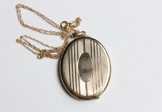 Locket Necklace Gold, 10K Gold Locket, Oval Gold L