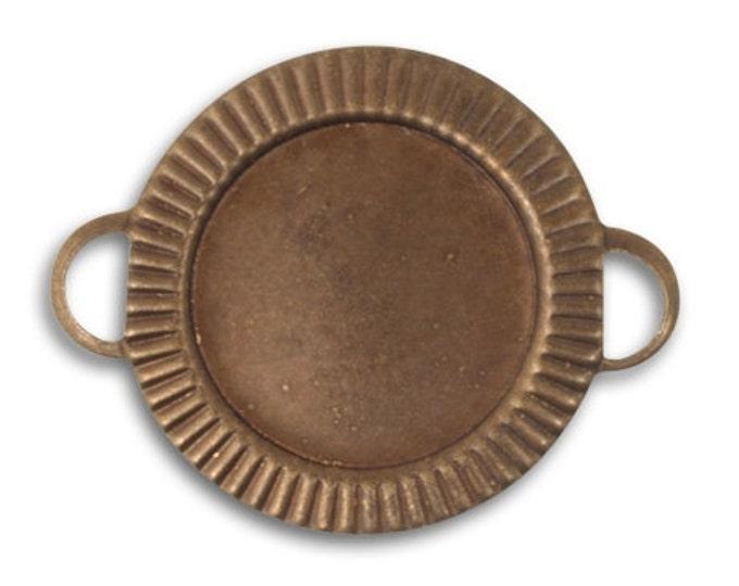 2 pieces Game Piece Bezel Connector Pendant, Vintaj Natural Brass C2H0003