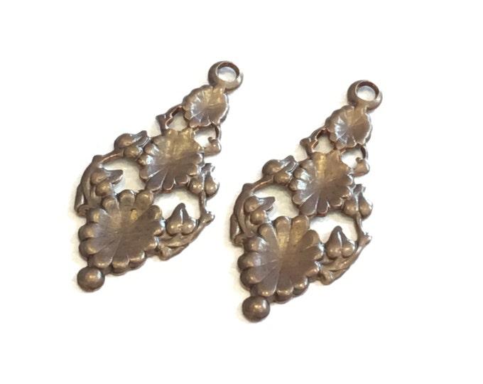 2 pieces Brass Tiered Flowers Vintaj DP031