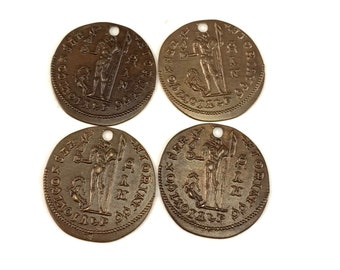 4 pieces Ancient Traveler Coin Charm 19.5mm, Brass, Vintaj P257